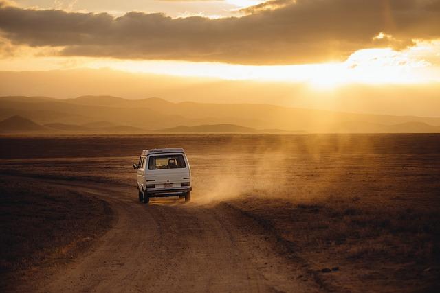 Czym najpoprawniej jechać do pracy czy na wakacje własnym autem tak czy nie?